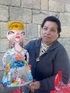 Júlia Côta com uma das suas criações