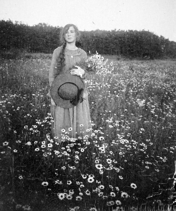 antique photo of a lovely country girl