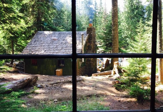 Mount Hood Cabins You Can Rent | Scouting spots to stay out near Welches, Parkdale and Govy.