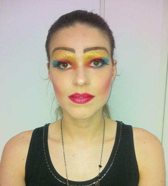 Drag Queen  #vaidosasdebatom #vaidosas #batom #blog #blogueira #blogger #tutorial #dicas #passoapasso #post #instablog #foto #selfie #beleza #beauty #maquiagem #make #makeup #cosmeticos #maquiador #caracterizacao #personagem #visual #tendencia #inspiracao #ideia #followme #pictures #festa #evento #mulher #homem #criança #adolescente #love #drag #dragqueen