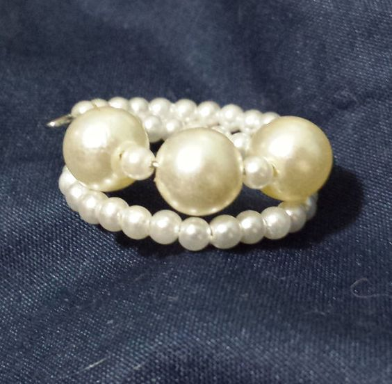 Beautiful Elegant Pearl Bead Memory Wire by CopperDoxieDesigns