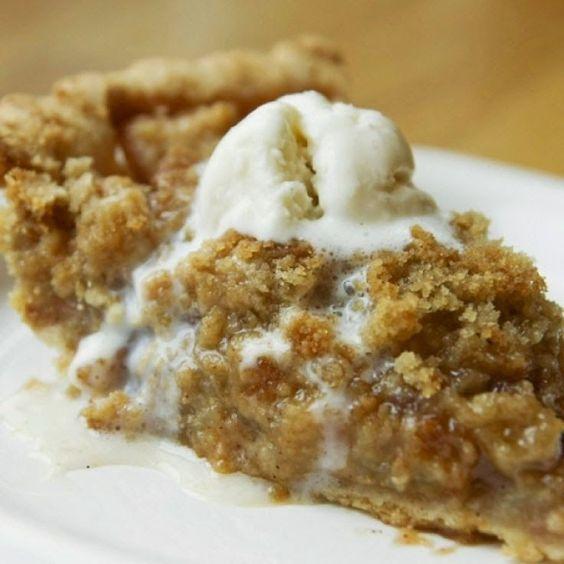 Cinnamon Crumble Apple Pie | Rincón Cocina