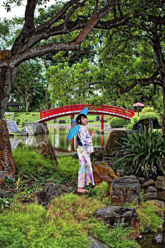kimono lady at japanese garden. #japan #garden #gardening #kimono #travel