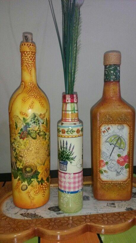 Botellas con técnicas varias