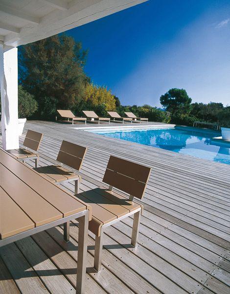 Die Terrasse mit Pool ist das Nonplusultra für jeden, der das kühle Nass zu schätzen weiß.