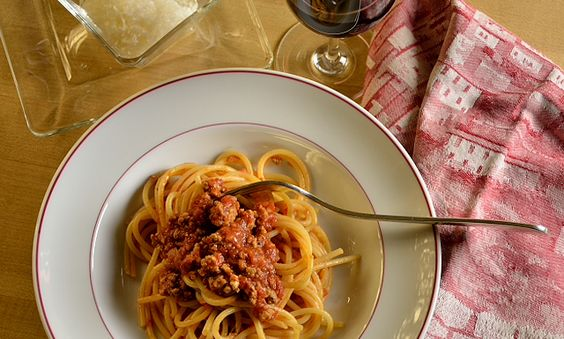 Spaghetti al sugo di carne We choose to go to the Moon in this decade and do the other things, not because they are easy, but because they are hard. President John F. Kennedy, September 12, 1962