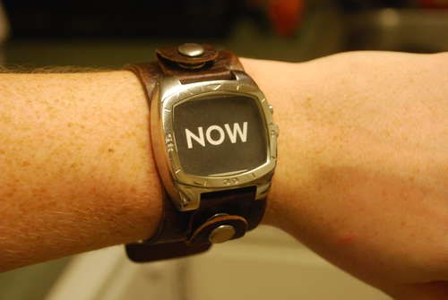 I MUST make one of these 'always accurate' watches! What a fun gift this would be as well.  #upcycled #recycled #watch