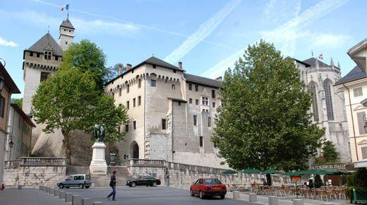 Chambéry. Le château. http://www.gpps.fr/Guides-du-Patrimoine-des-Pays-de-Savoie/Pages/Site/Visites-en-Savoie-Mont-Blanc/Savoie-Propre/Caeur-de-Savoie/Chambery
