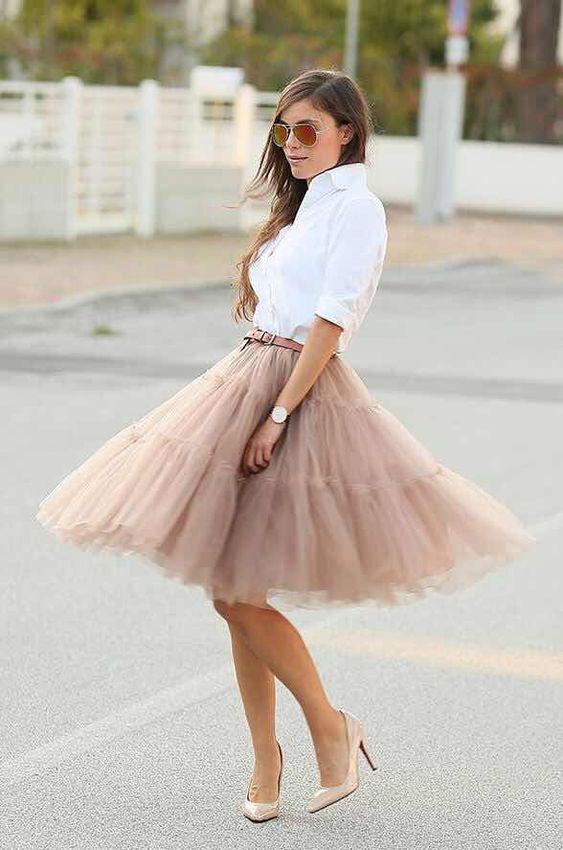 Outfits con Falda Circular de Tul para lucir Elegante y a la Moda