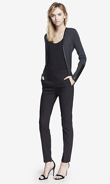 Simple Black Mid Rise Skinny Jean