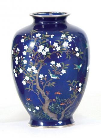 Japanese Cloisonné Vase. Meiji Period. (c1910)
