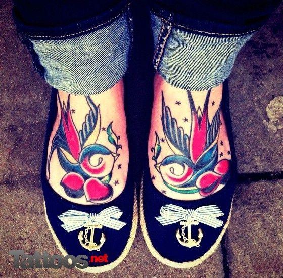 tatuajes de golondrinas para mujeres 14