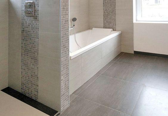 Salle de bain en carrelage beige et moza que assortie carrelage anthracite 60x60 au sol for Carrelage beige 60x60