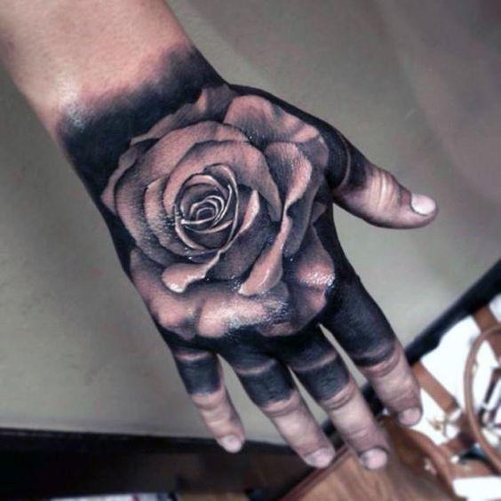 Tatuajes De Rosas En La Mano 367 Para Hombre Y Mujer Tatuaje De Rosa En La Mano Tatuajes En La Mano Tatuajes Chiquitos