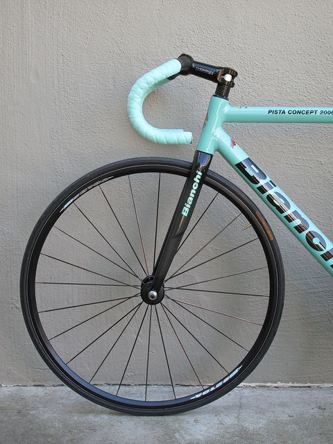 Color branding lesson in one photo: a Bianchi bike in their trademark colors. Well done. Class dismissed.