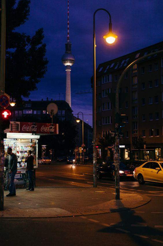 https://flic.kr/p/LjV12U | Berlin at night