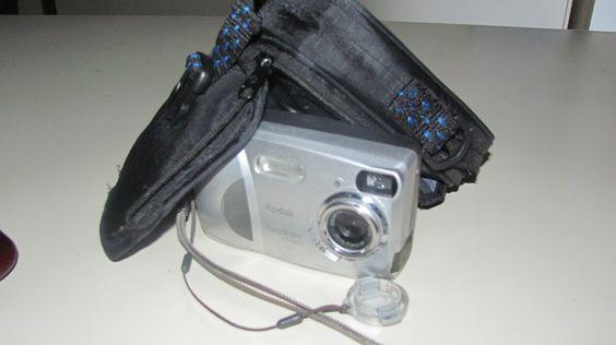 Kodak easy share w/   Nice case