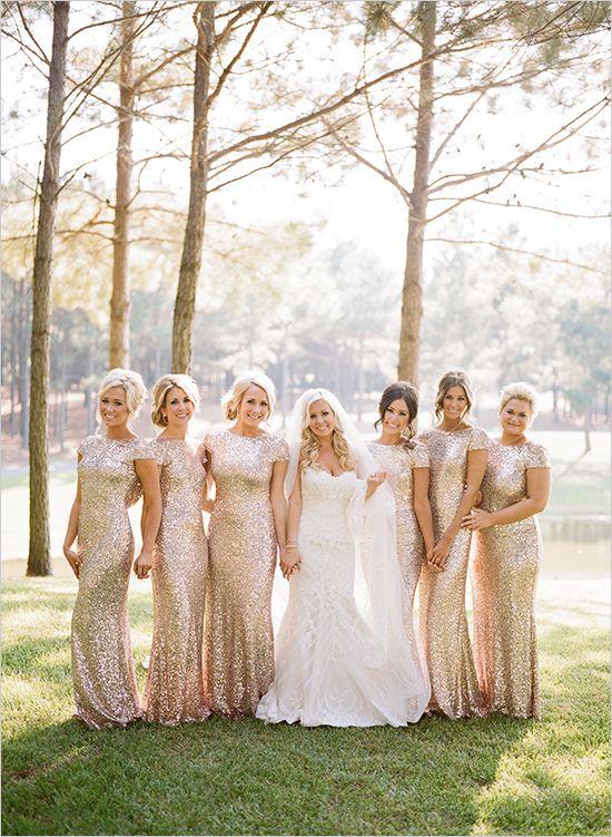 sparkly gold bridesmaid dresses #bridesmaids @weddingchicks