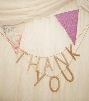 Use POSH Graffiti to say thank you to your guests. Buy preloved for £28 at www.sellmywedding.co.uk