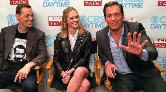 Sean, Emily a Michael během příprav pořadu The Talk (CBS)