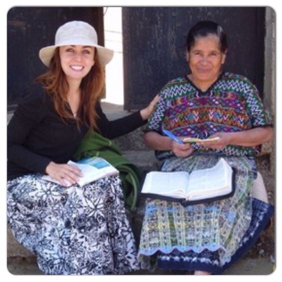 Serving were the need is greater: the sister on the left in from Spain, but she is conducting a study in Guatemala @lachicadellvis