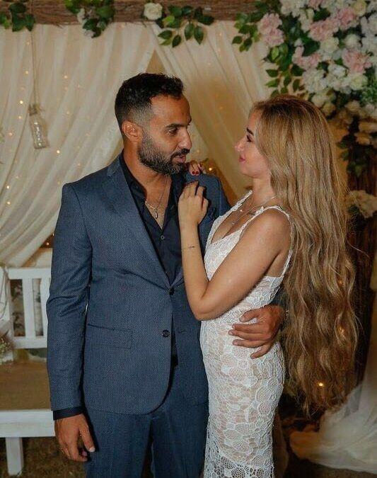 بعد طلاقه الثاني أحمد فهمي يحتفل بخطوبته على هنا الزاهد