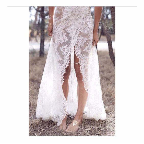 We love  this image of our 'GENEVIEVE' gown from  @35mm_wedding_photography 's  latest shoot 'Wild Love'. RG @janjanwuwu | Flowers: @sugarbeeflowers @natdarcas @kwhbridal @flashtattoos #photoby35mm #WWIM11 #karenwillisholmes #nouba #whitemagazine #kwhbridal #kwh #karenwillisholmes
