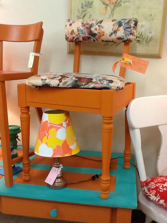 mcm retro sewing chair with removable seat for storage!