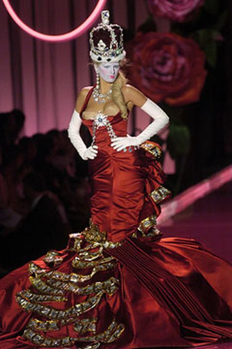 Christian Dior Fall 2004 Couture Collection - Vogue