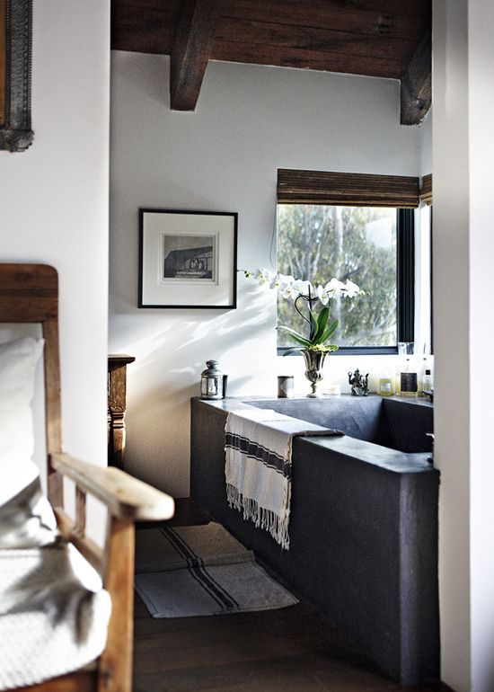 The stylish home of Darek Wolski and Becks Welch in Malibu ©Martin Löf via Elle Decoration.