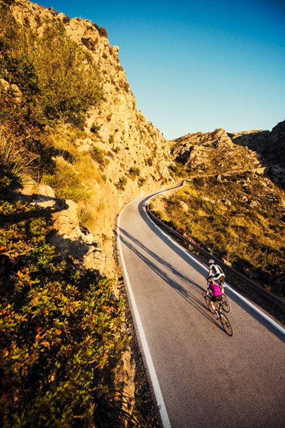 GPS-Uhren wie die Suunto Ambit3 lassen sich auch für das Rennradfahren nutzen. | Foto: Suunto