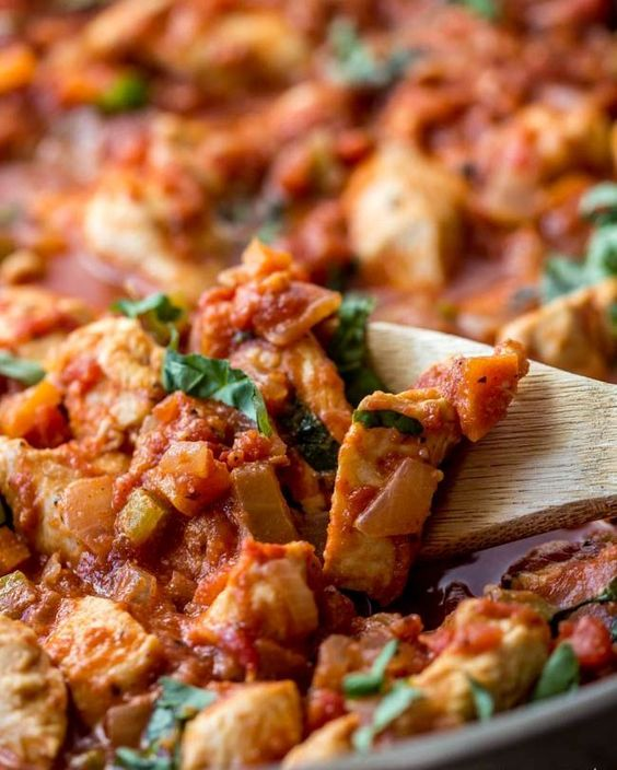 Tuscan Basil Chicken is a quick, healthy and delicious meal that is ready in 30 minutes has fantastic flavor!