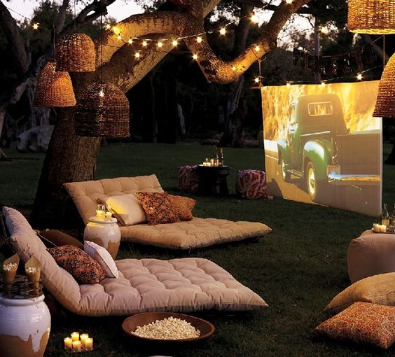 Movie night? Yes please... Such a nice idea