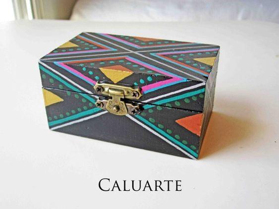 Caja de madera pintada a mano 1 caluarte artesanio - Cajas de madera pintadas a mano ...