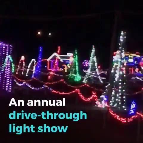 Jax Illuminations Drive Through Light Show In Jacksonville Florida Over A Million Lights Beach Mom Jacksonville Beach Neptune Beach