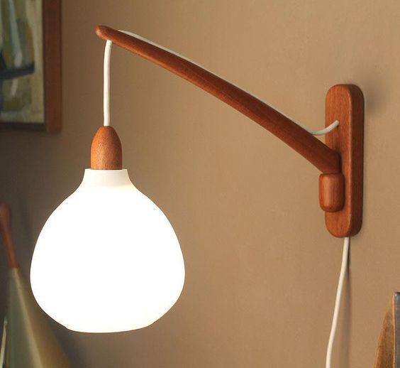 Vintage Luxus Teak And Glass Swing Arm Wall Lamp Mid