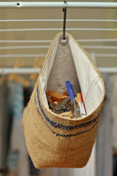 little box of tricks: DIY: Klammerbeutel // burlap peg bag