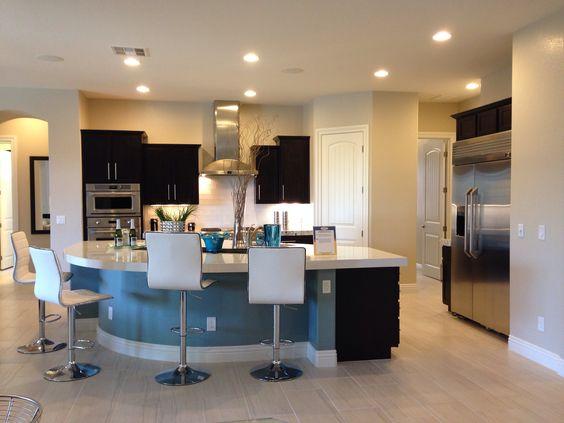Kitchen cabinets phoenix bridgewood designs dark interior for Bathrooms r us reviews