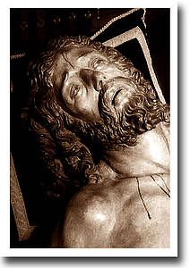 El Cristo de la Caridad en el Besapiés de 1975: Hermandad de Santa Marta