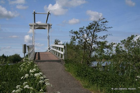 Beweegbare brug over het Meije-pad in Nieuwkoop.