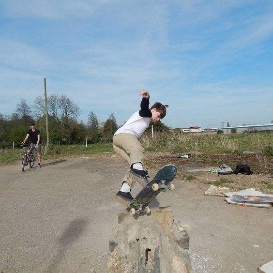 Instagram #skateboarding photo by @jessy.skate - Another one from the diy ft cammy b #skate #skateboard #skating #skatelife #skater #skateboarding #skatelife #skaterlife #sk8 #sk8life #sk8ordie #skateordie #bodyslam #hallofmeat #sk8park #sk8street #sk8ramps #skatepark #skateramps #skatestreet #elementskate #skatecrunchmag #thrashermag #santacruz #newboard #adidas #adidasoriganals #adidasskate #cliche. Support your local skate shop: SkateboardCity.co