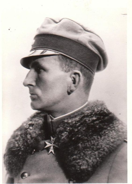 Pilot Ritter von Tutschek, Close up Profile with Pour le Merit