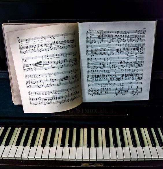 musische Momente - Ein musischer Moment am Klavier