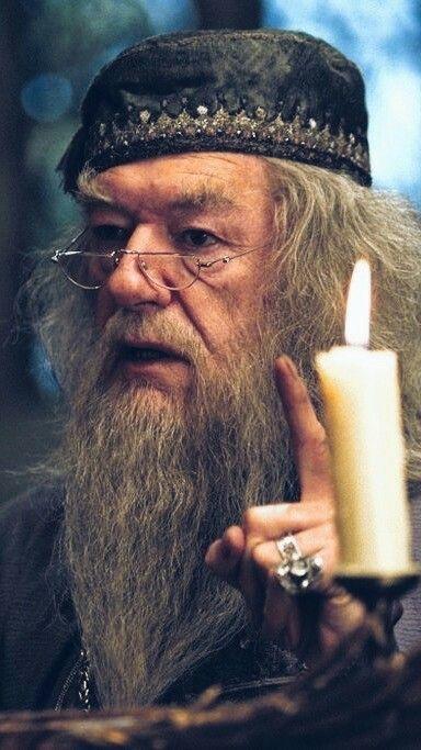 Los Magos Mas Poderosos De La Ficcion La Cueva Del Lobo Harry Potter Film Harry Potter Background Harry Potter Images