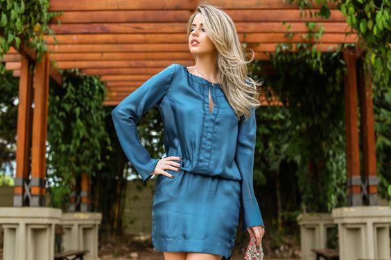 Look: vestido petróleo + recortes vazados + conjunto cravejado! | Marina Casemiro