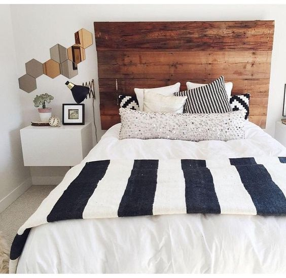 love the headboard and the throw blanket: