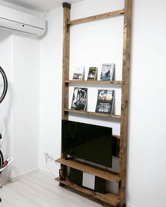 壁掛け テレビ 突っ張り棒