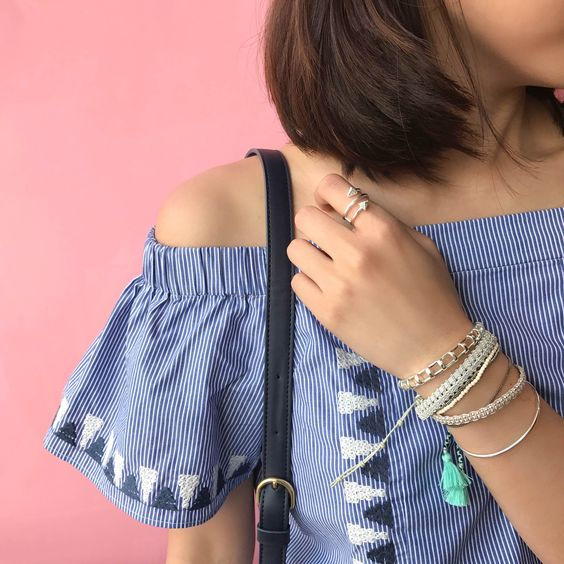 Want to show a sliver of shoulder this season? This trending tunic is headed your way very soon! #stelladotstyle #sneakpeek: