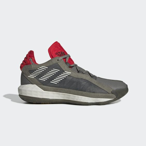 Get on the court and lead by example, just like Damian Lillard. These adidas basketball shoes are ultralight, so you can fly up and down the floor. A herringbone outsole provides grip when you slam on the brakes and pull up from a distance. The upper reflects Dame's quiet leadership on the court and influential personality off of it.