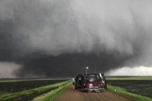 STORM into the Eye of the Tornado with Reed Timmer ...